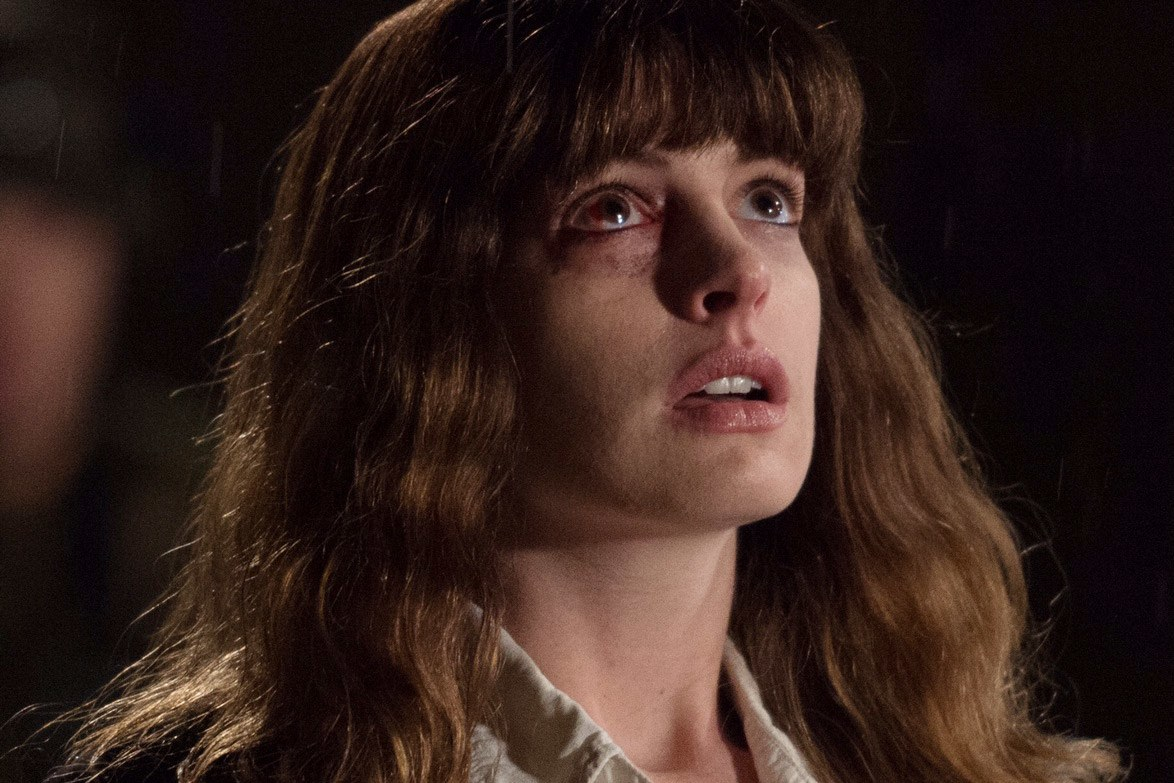 http://www.thecinemen.com/wp-content/uploads/2016/09/t-Colossal-review-TIFF.jpg